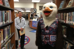 USO Ernie looks for books
