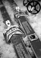ski-equipment-200pxls
