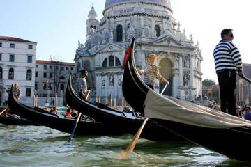 ITALIAN-VISTAS-private-tour-venice-gondola-ride-with-serenade-in-venice-114950